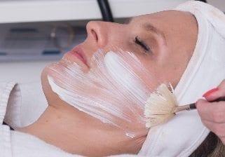 Online Kosmetikshop Gesichtspflege Peeling